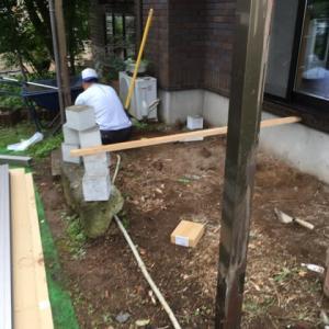 小雨でも ウッドデッキの 組み立て 茨城県 龍ケ崎市