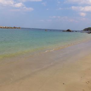 鳥羽十景に数えられる美しい海岸『千鳥ケ浜海水浴場』(三重県鳥羽市相差町)。