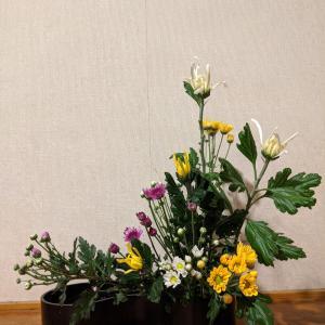 重陽の節句に菊を生けて