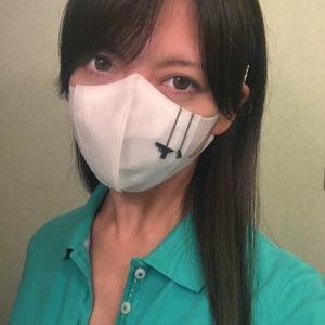 マスクにつけるガン型アクセサリー