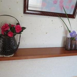 玄関の花。隠れ家的なお店でランチ