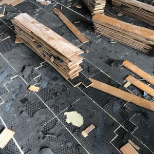 住宅リフォームの室内解体は完全手作業です。