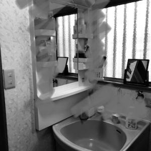 洗面台の入替です。基本の工事代金以外に別代金が発生する事例です。