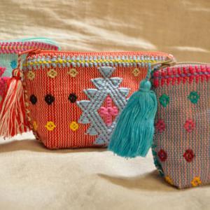 新商品が入荷いたしました&アップ予定手織りミニポーチ♪