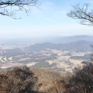 難台山に登る