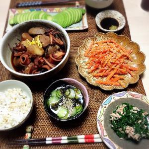 ■今日の晩ごはん■イカと里芋の煮物♪
