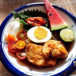 ■今日のランチ■盛岡冷麺とピーマン♪