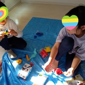 姉弟の子どもアートセラピーの時間