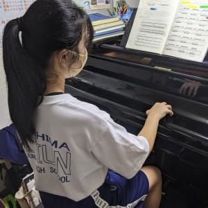 9年通ってくれている生徒さんコンサート、コンクールに向けて頑張っています
