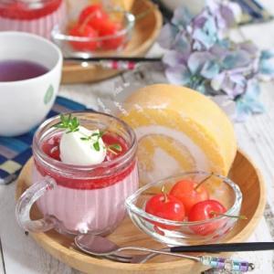 木苺のムースと純生ロールのおやつプレート