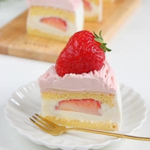 マンモスいちごのチーズショートケーキ