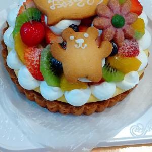 フルーツタルトのバースデーケーキ♪