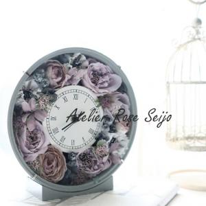 シャビーシックな花時計が素敵です!