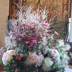 ロワール地方の古城のひとつ、シュノンソー城内の素敵な花装飾!