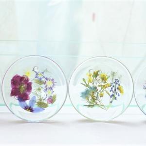 押し花で作るガラス&陶器製のフラワーコースター色々!