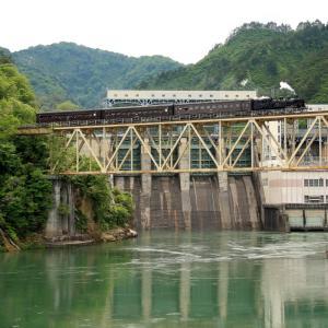 本名ダムの前を渡る只見川第6橋梁 - 2009年・只見線 -