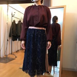 iriseイリゼ☆サイドライン・ベロアレーススカート