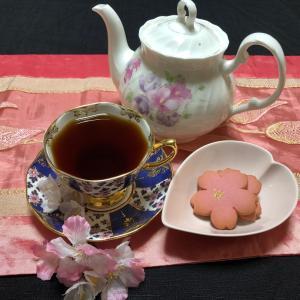 おうちでひとり桜ティータイム