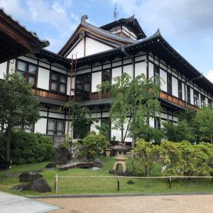 明治42年築の奈良ホテルにて