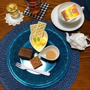 アイスティーのお茶会の続き・スイーツはレンガ&レンガ
