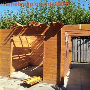 庭小屋を建て替えた。