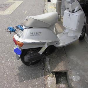 ミニバイクのパンク修理