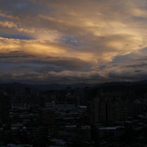 台湾の夕空