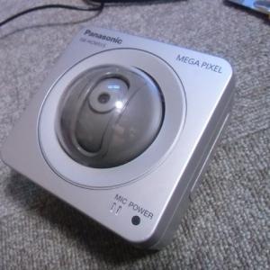 ネットワークカメラ BB-HCM515の電源部分を改造した。