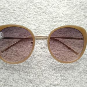 薄いカラーのサングラスを新調☆