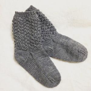 夏でも蒸れないらしいよ!~毛糸の靴下