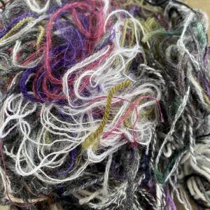 先日のスワッチの糸の始末の処理
