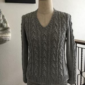 透かし模様セーター完成