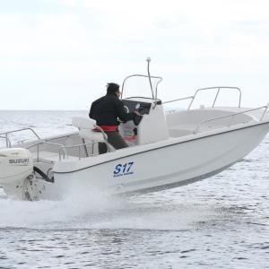 スズキの17F 新型艇