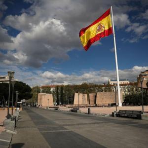 スペインで「ベーシック・インカム」導入、経済大臣が宣言