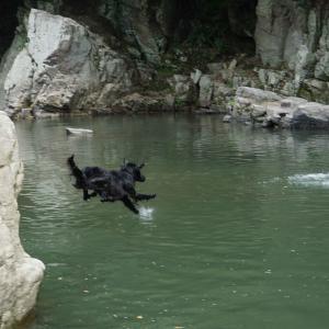 月川荘で川遊び