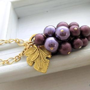 葡萄のバッグチャーム、イメージが変わりました。