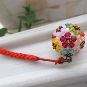 カラフルで可愛い♡花手毬の根付け・帯飾り