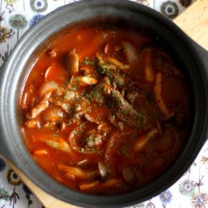 牛肉と新たまねぎのトマト鍋