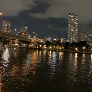 水の都と夜景と散策