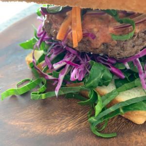 自家製バーガーで栄養バランスを◆デトックスを促してミニマムボディ