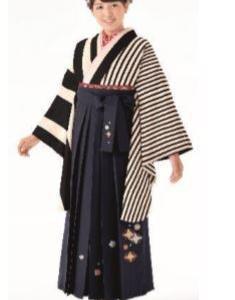 卒業式袴カタログ 黒ストライプ着物&黒刺繍はかま
