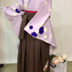 卒業式はかまカタログ パープルの着物&茶色袴