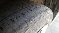 車のタイヤを新しいものに交換