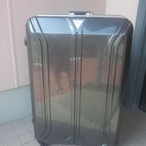 昔買ったスーツケースの商品説明タグが出てきた