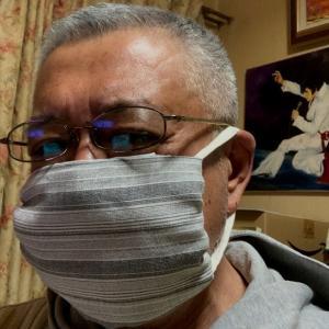 とりあえず手作りハンカチマスクで乗り切るのだ!