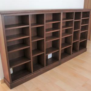 松の本棚・栗のテーブル