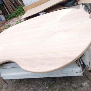 ソラマメ型テーブル
