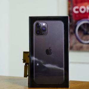 iPhone 11 ProをiPhone SEから移行セットアップとケースと保護ガラスと風呂