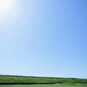 雲ひとつない秋青空広がる、矢作川ロング