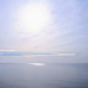 かすみがかった空は自然のレンズ、矢作川ロング